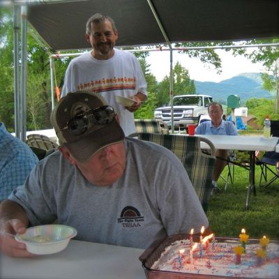 photo of memorial day picnic