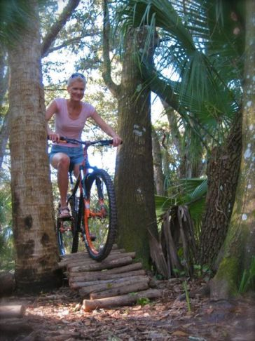 mountain biking at grassy island trail