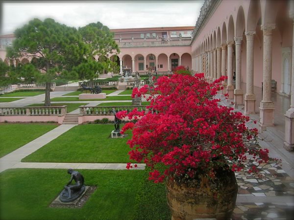 photo of the courtyard at the ringling museum of art