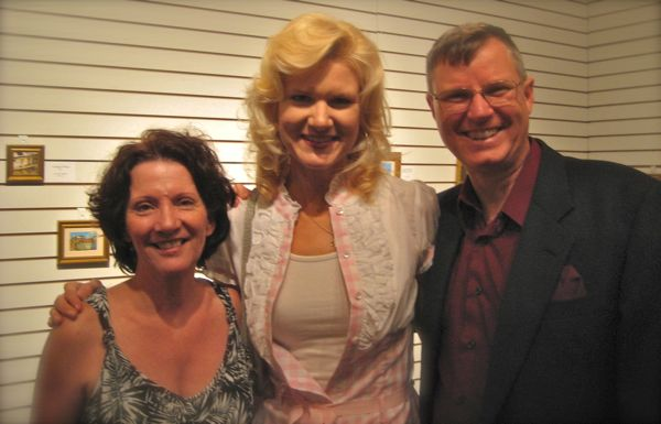 wes and rachelle siegrist with susan from the highlands art museum