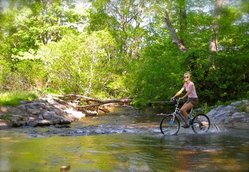 riding bikes in cades cove