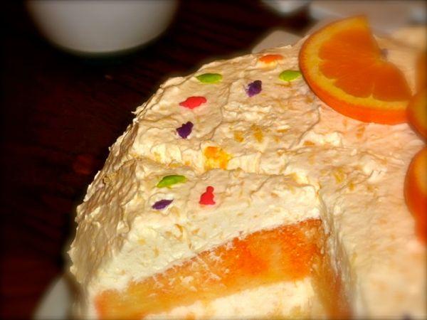 cake with dinasaurs