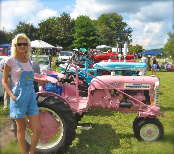pink farmall tractor image