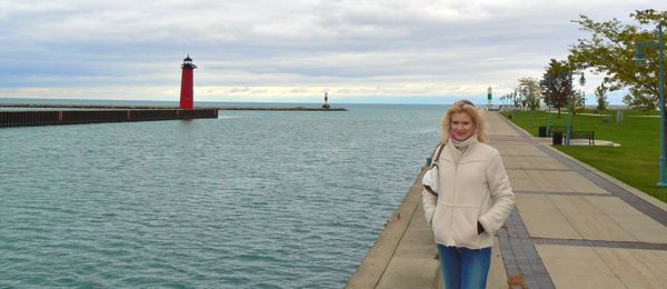 north pier lighthouse in kenosha