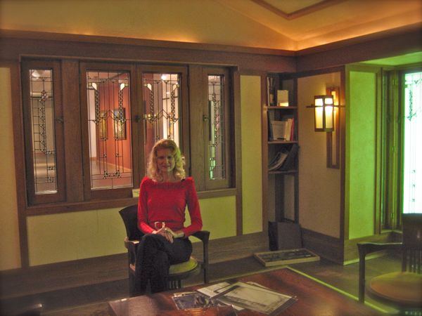 rachelle siegrist in frank Lloyd Wright's library