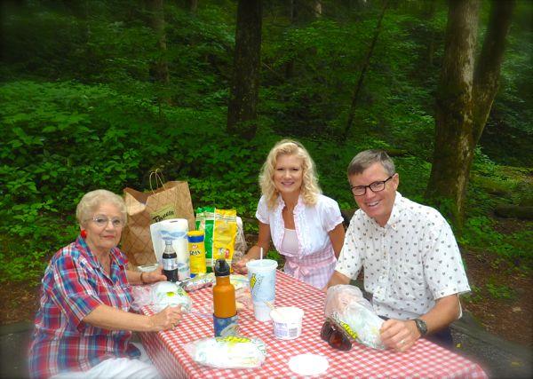 picnic at chimney tops