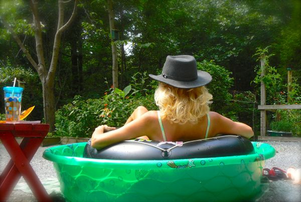 rachelle siegrist hillbilly tubing