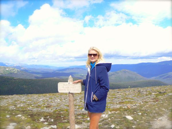 rachelle siegrist by alpine visitor center in rocky mountain national park