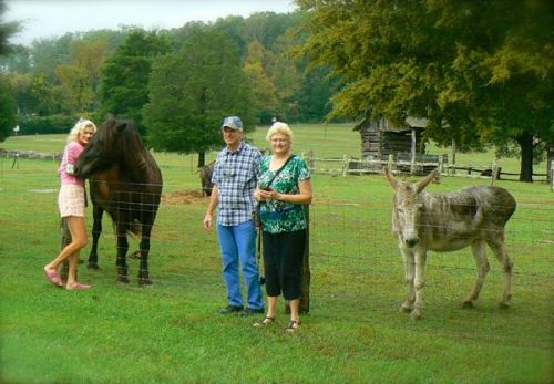 rachelle siegrist huggin a horse