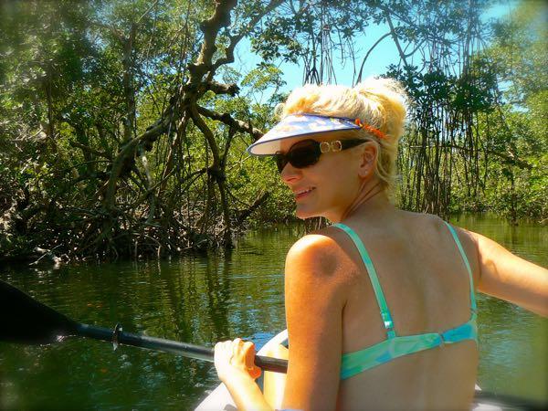 rachelle siegrist kayaking in ding darling national wildlife refuge