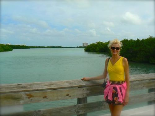 walkway to Lovers Key state park