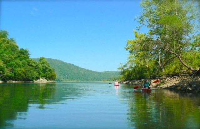 Kayaking chilhowee lake with rachelle siegrist
