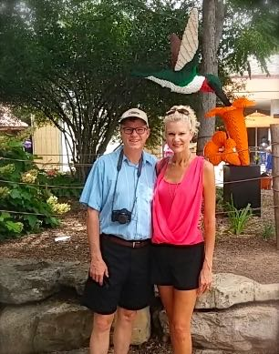 rachelle and wes siegrist at the louisvilel zoo