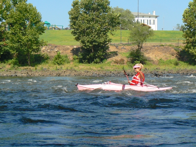 Rachelle Siegrist kayaking the flint river 3