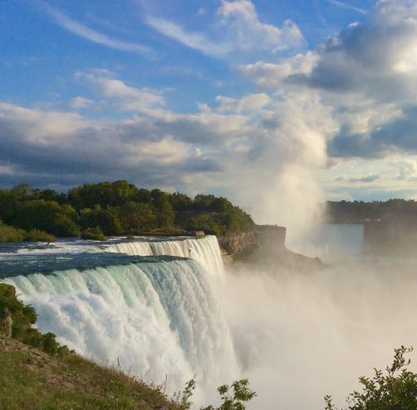 american falls at niagara falls state park in the evening