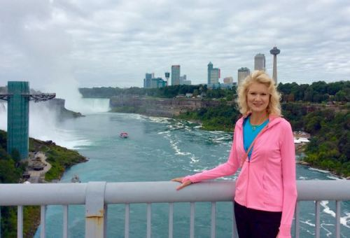 rachelle siegrist on rainbow bridge by niagara falls - 1