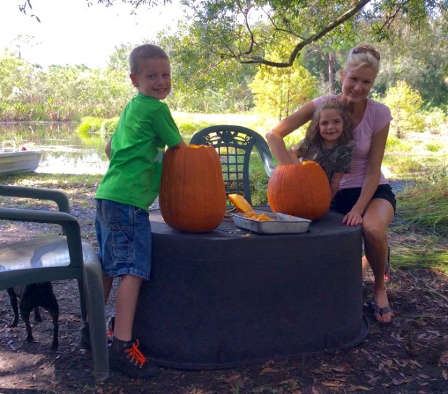 rachelle siegrist carving pumpkins