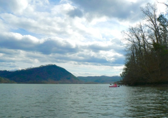 Kayaking near Chilhowee Lake rachelle siegrist - 1 (1)