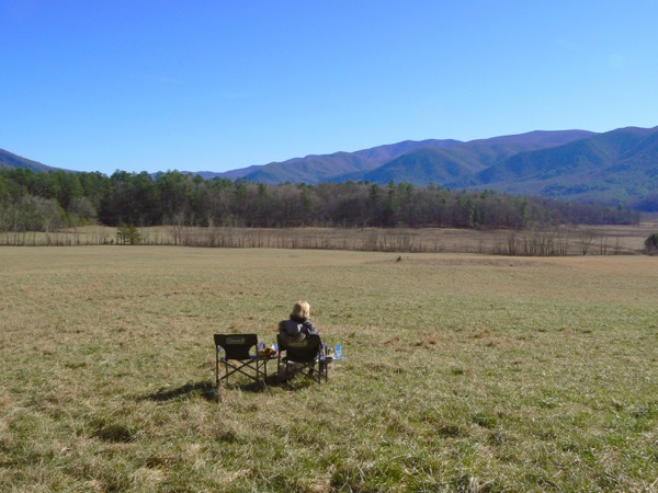 rachelle siegrist picnicing in Cades Cove