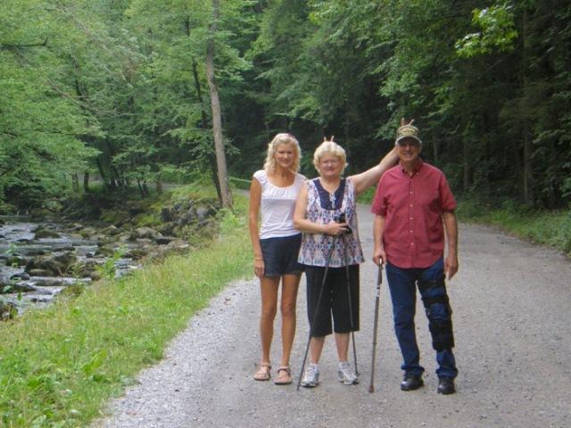 rachelle siegrist hiking in tremont.jpg