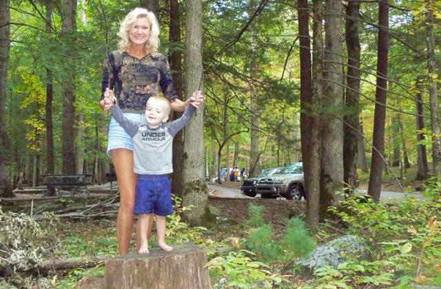 cades cove fall picnic rachelle siegrist.jpg
