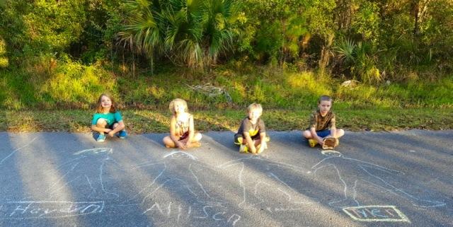 kids-chalk-drawing