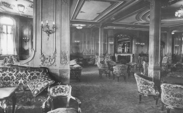 first class lounge on titanic.jpeg