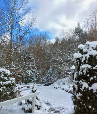 rachelle-and-wes-siegrist-snow-in-the-smokies