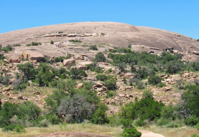 hiking enchanted rock with rachelle siegrist