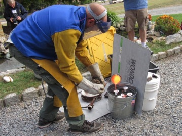 paul rhymer pouring bronze