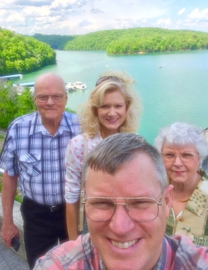 rachelle and wes siegrist at norris lake