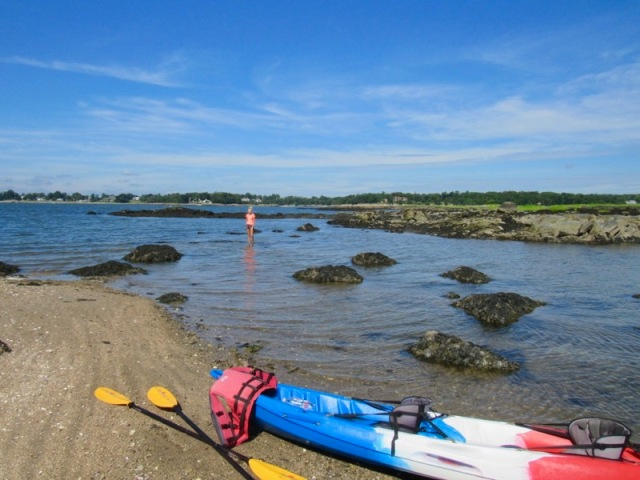 rachelle and wes siegrist kayaking long island sound1