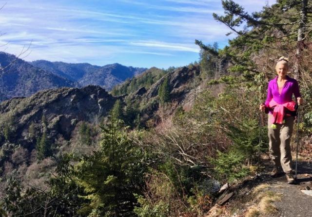 rachelle siegrist hiking alum cave bluffs