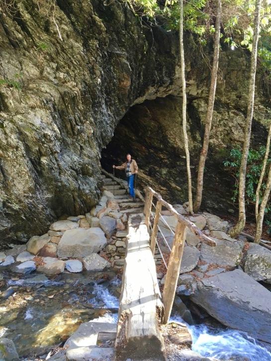 rachelle siegrist hiking alum cave bluffs1