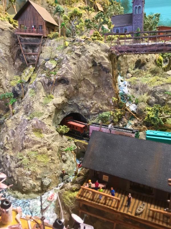 N scale model railroad1