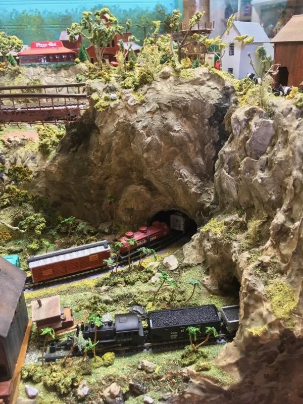 N scale model railroad2