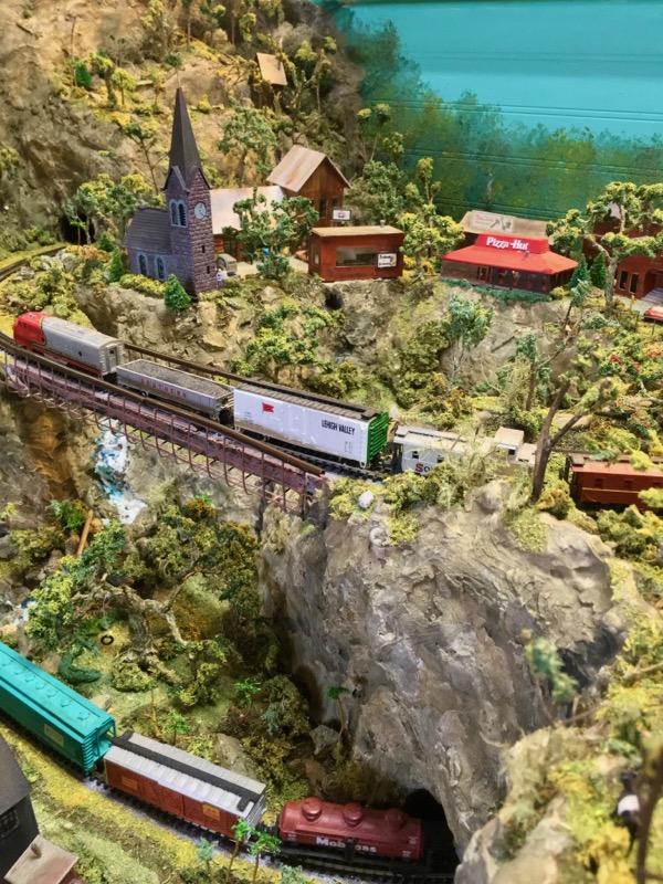 N scale model railroad4