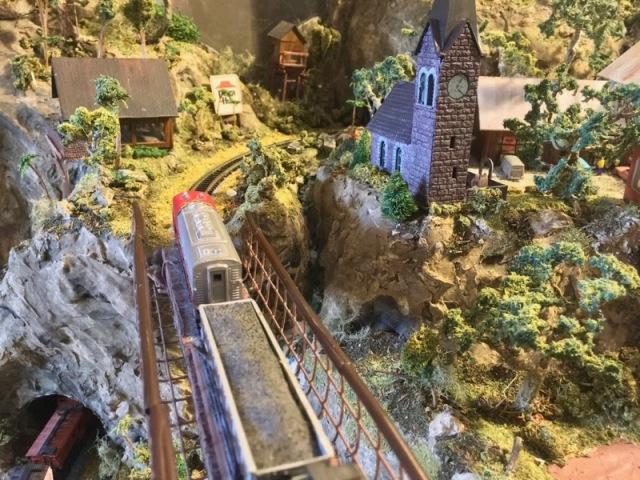 N scale model railroad8