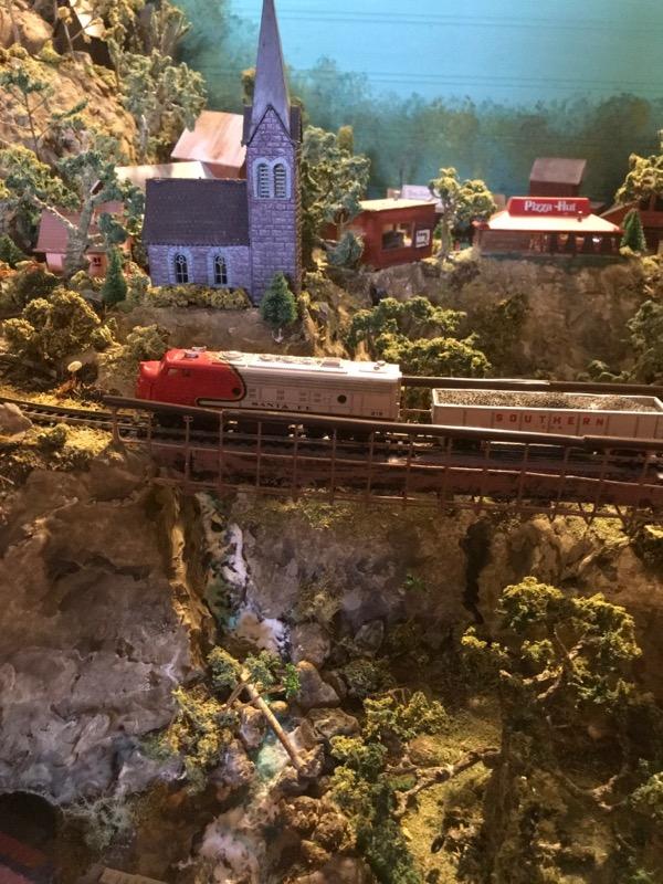 N scale model railroad9