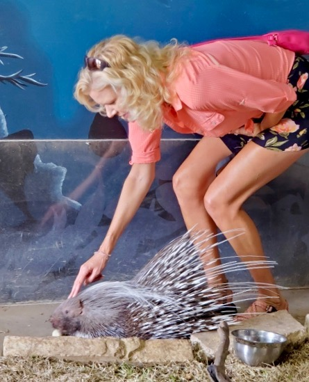 rachelle siegrist with porcupine san antonio aquarium