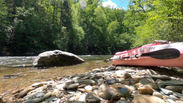 kayaking near the smokies